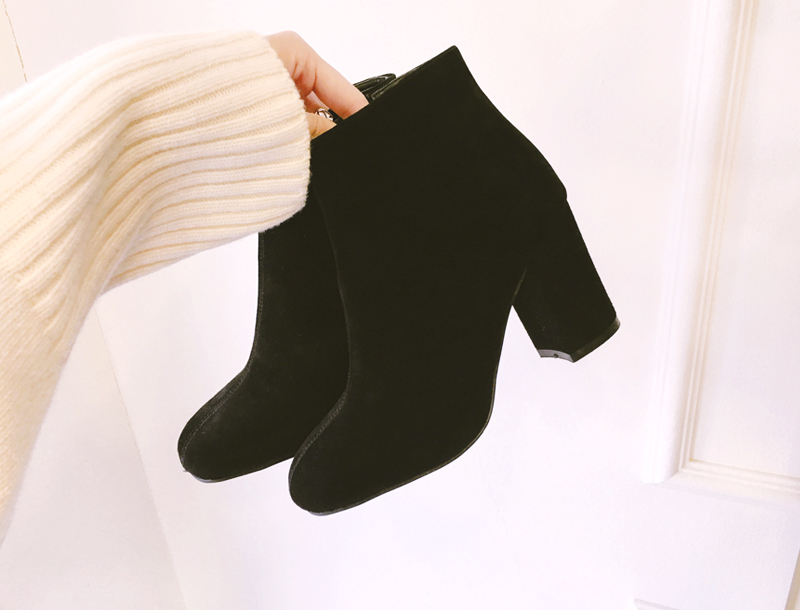 Lamb skin suede leather boots / black