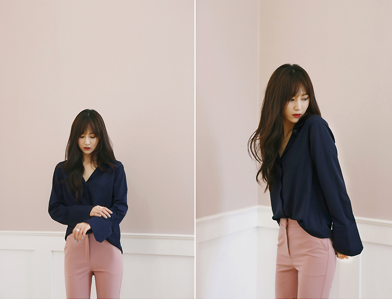 Silky blouse / navy