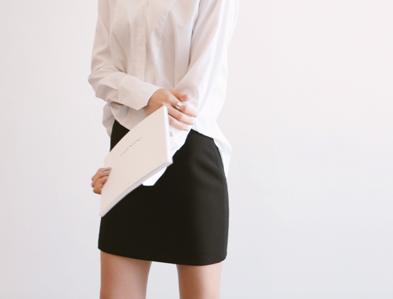 Line mini skirt / black