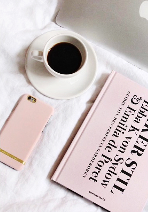 [Richmond & Finch] Soft Pink Smooth iPhone Case