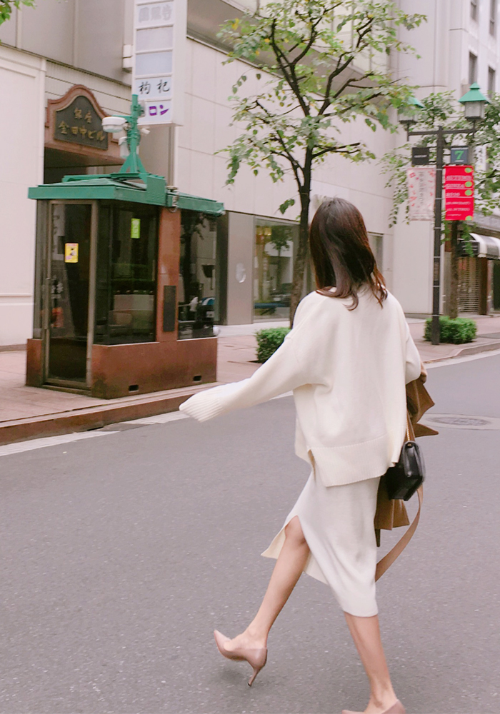Lambswool knit slit skirt / ivory