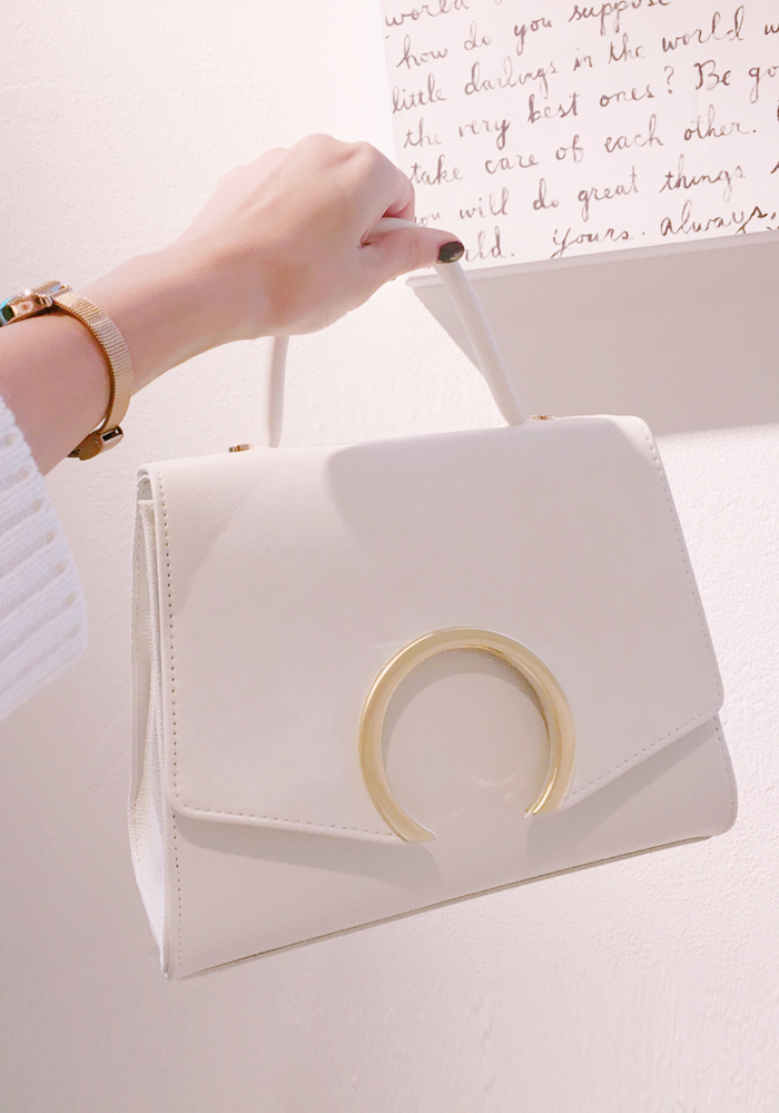 Sickle moon bag / ivory