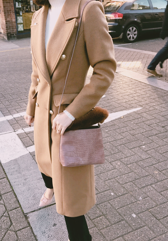 Gold button wool coat / camel