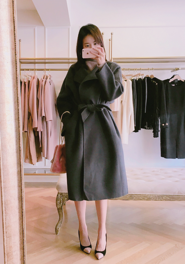 Round neck belted handmade coat / charcoal