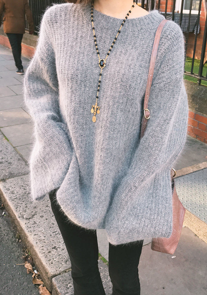 Comfort round neck knit top / grey