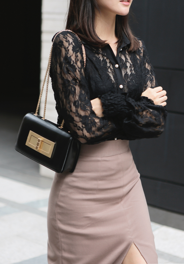 See-through lace blouse / black