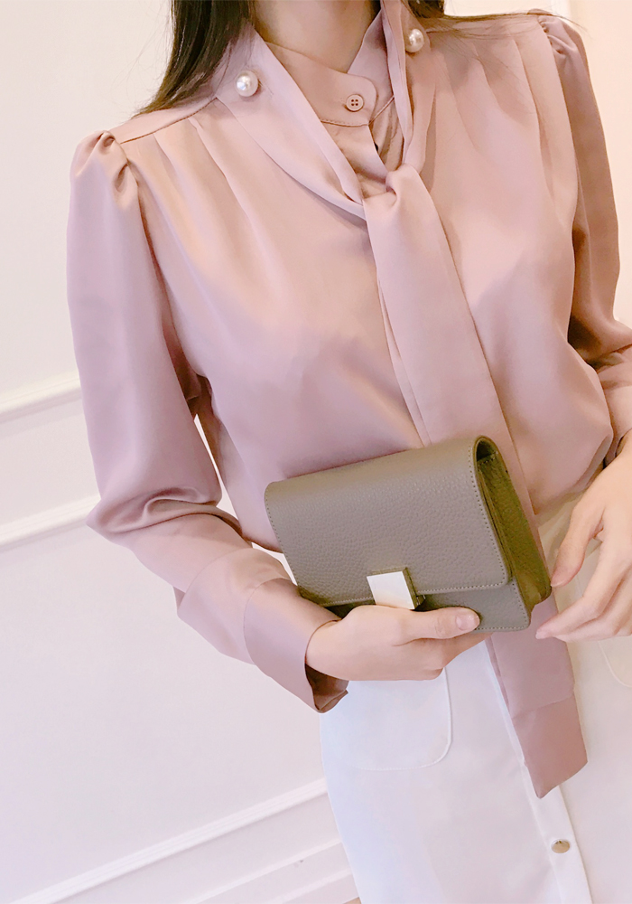 Two button neck scarf blouse / pink