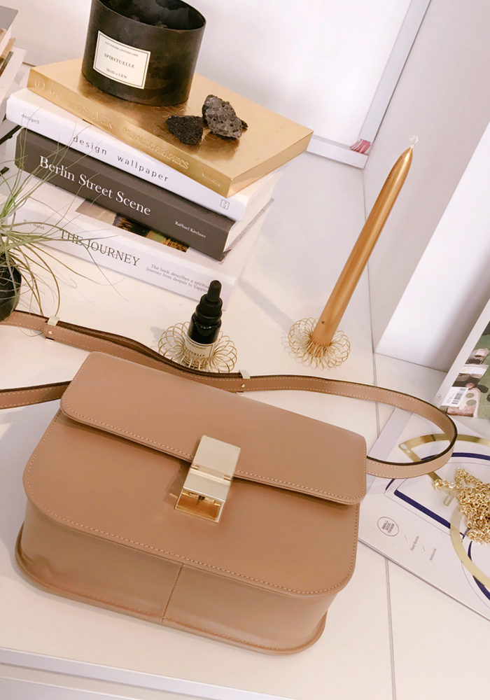 Box bag / beige