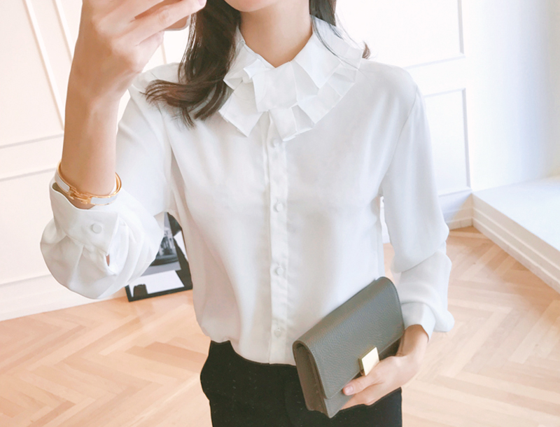 French neck-collar blouse / 2color