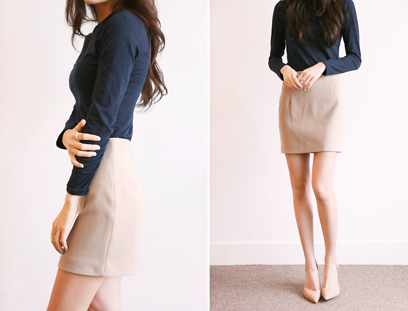 Line mini skirt / beige