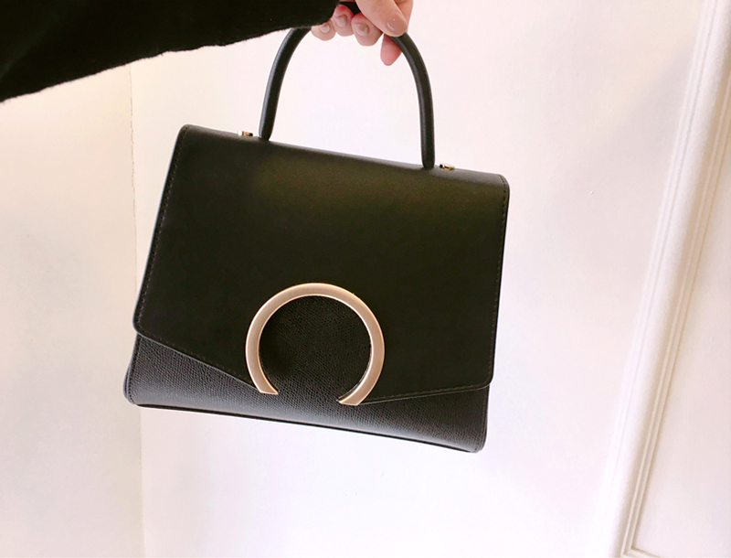 Sickle moon bag / black