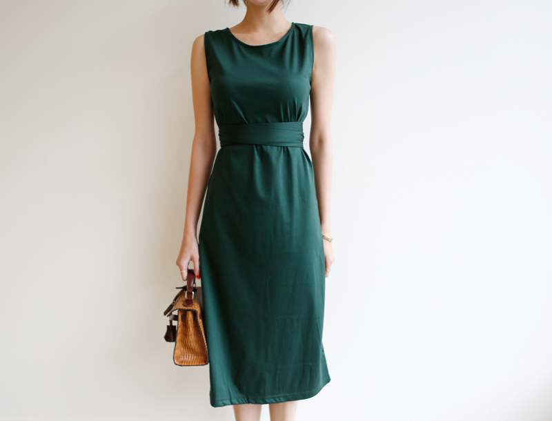 slimmy straight silhouette dress / green