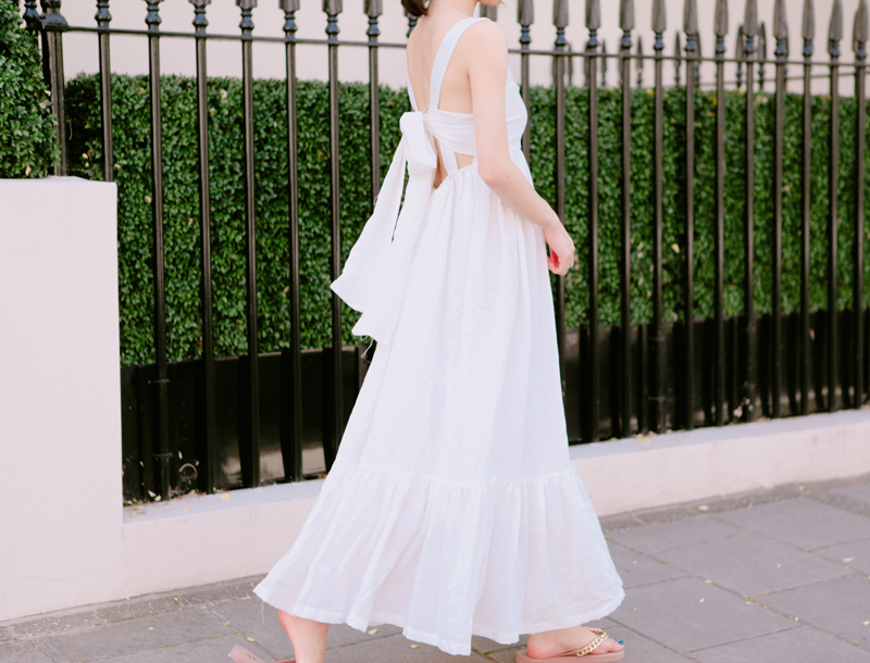 Awesome backless dress / off white