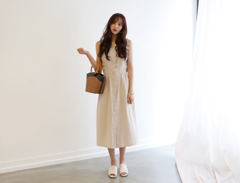 Pintuck linen dress / natural beige