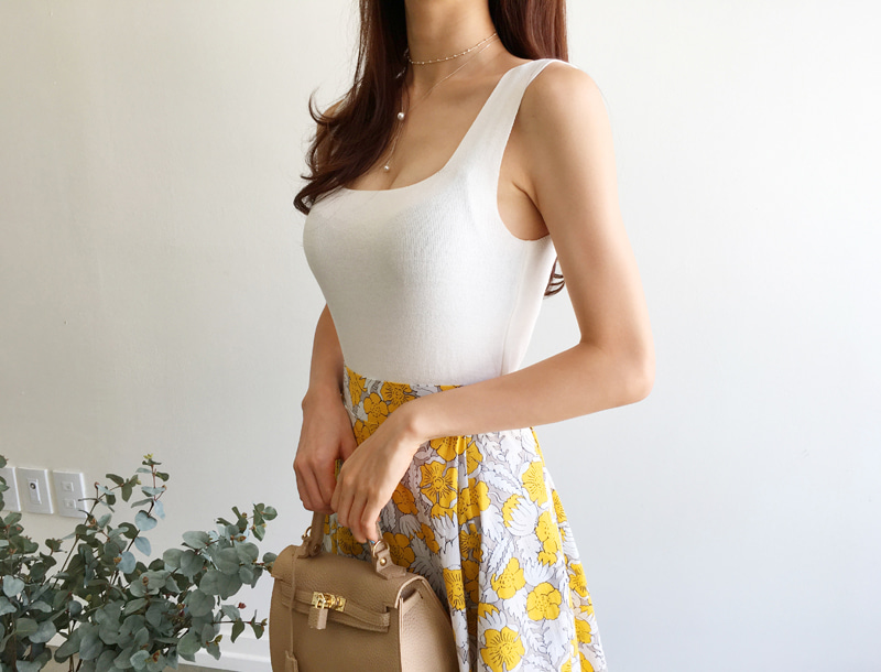 Square neck sleeveless top / 2color