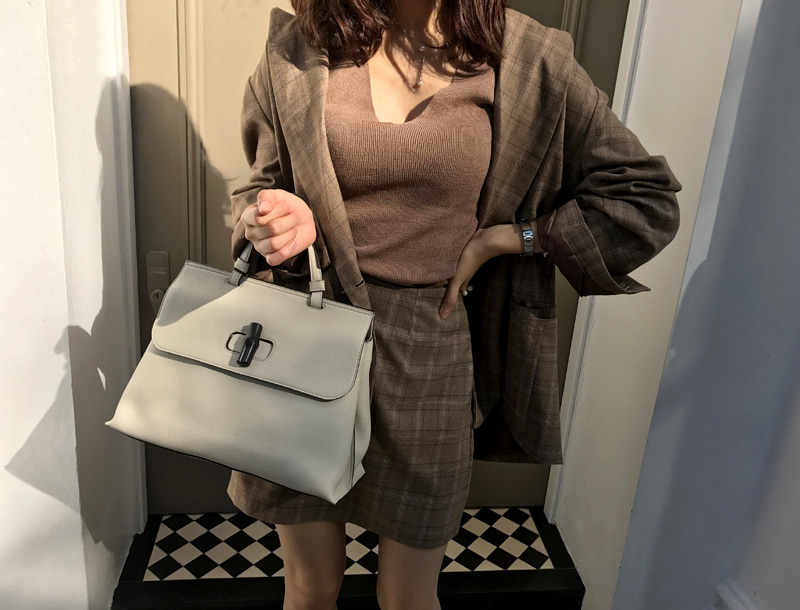 Check two piece set / brown